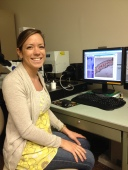 C-MORE Scholar Lisa Hall capturing images of Trichodesmium spiralis on the confocal microscope